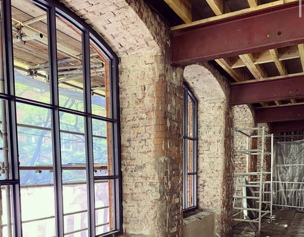 Cotton Yard Manchester Aparthotel interior windows taken by @cringlecorp