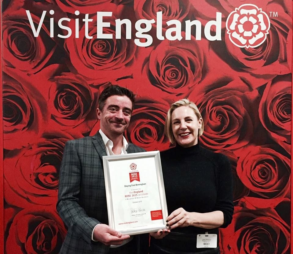 Gavin Burns and Tracey Stephenson receiving the Visit England ROSE Award for Outstanding Customer Service