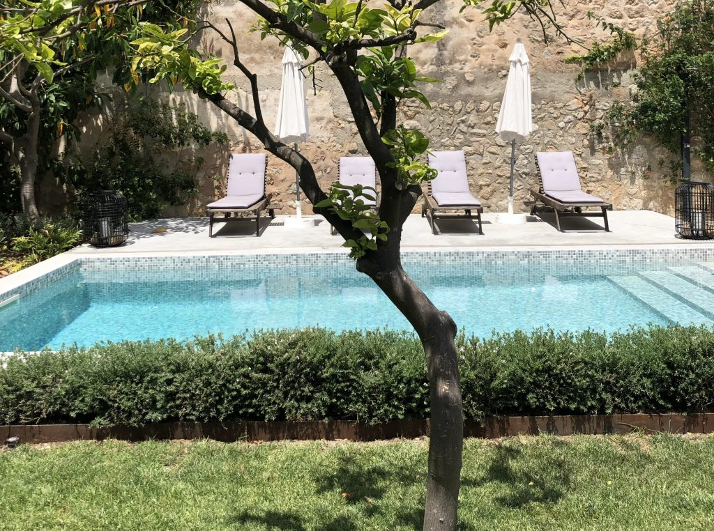 Soller townhouse pool area from garden