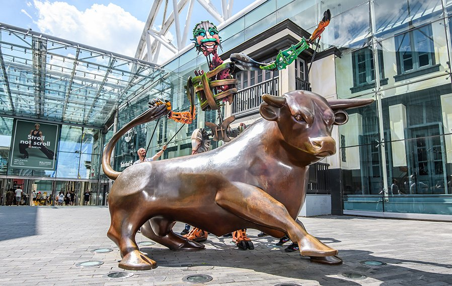 The Bullring Bull located next to Staying Cool's Rotunda apart hotel promoting the Birmingham Weekender event